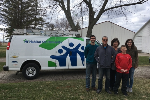 Midland County family with HFHM's Mobile Response Unit